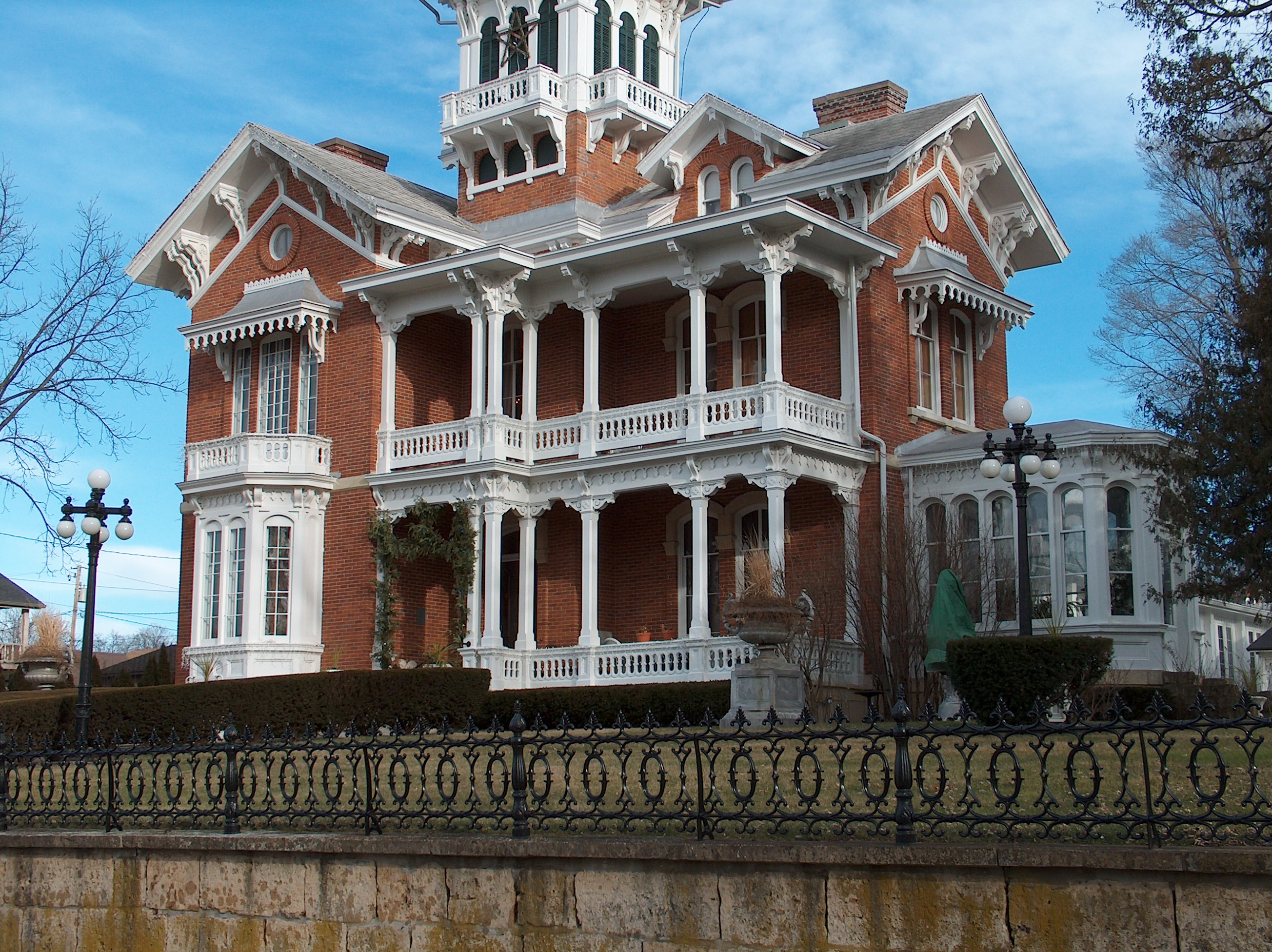Italianate architecture the life project for Who invented houses