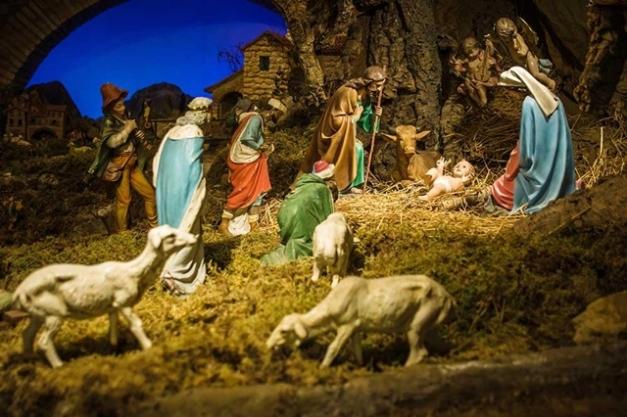 bs-christmas-nativity-scene